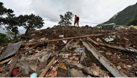 Landslide kills at least 17 in Colombia town, injures 5