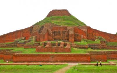 An important archaeological site located in Paharpur