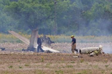 Police: 2 die in small plane crash near Indianapolis