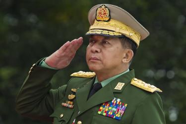 US bans Myanmar army chief over Rohingya \'ethnic cleansing\'
