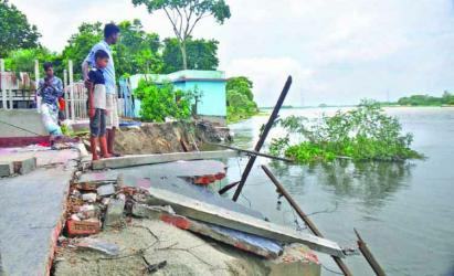 Flood situation improves further in B\'putra basin