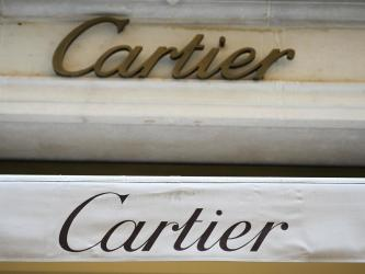 Scorn in China over Cartier\'s gay Valentine advert