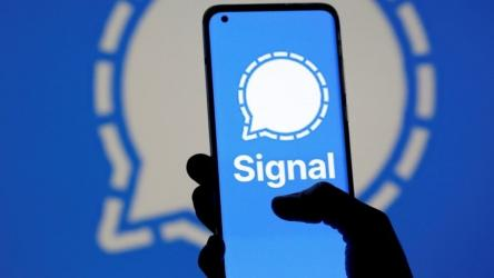 Signal messaging service goes down amid user surge