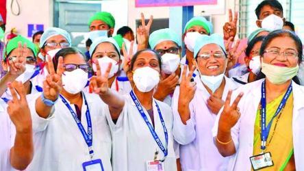 India begins world's biggest Covid vaccine drive