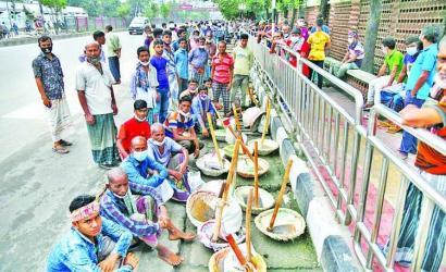 Impoverished masses suffer
